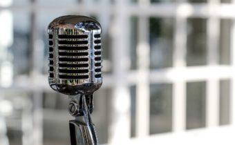 microphone-5340340_1280